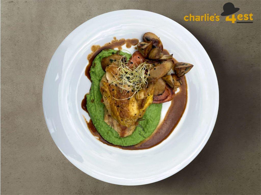 Kuřecí Supreme v úpravě Sous vide s hráškovým pyré a glazovanou kořenovou zeleninou 1
